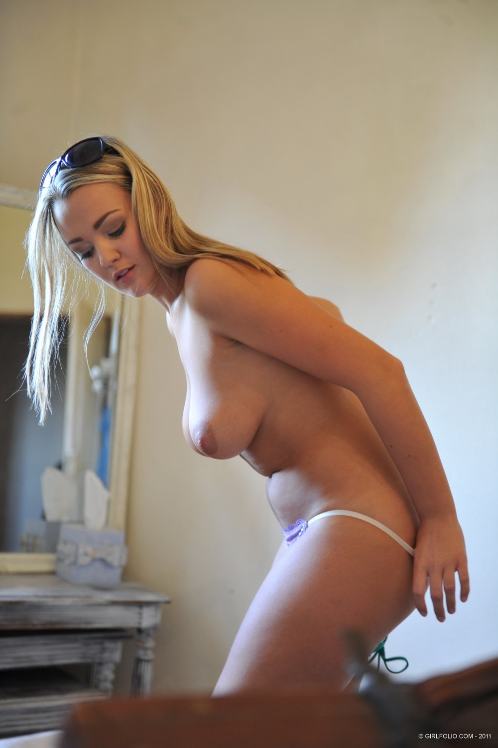 nude women home alone video