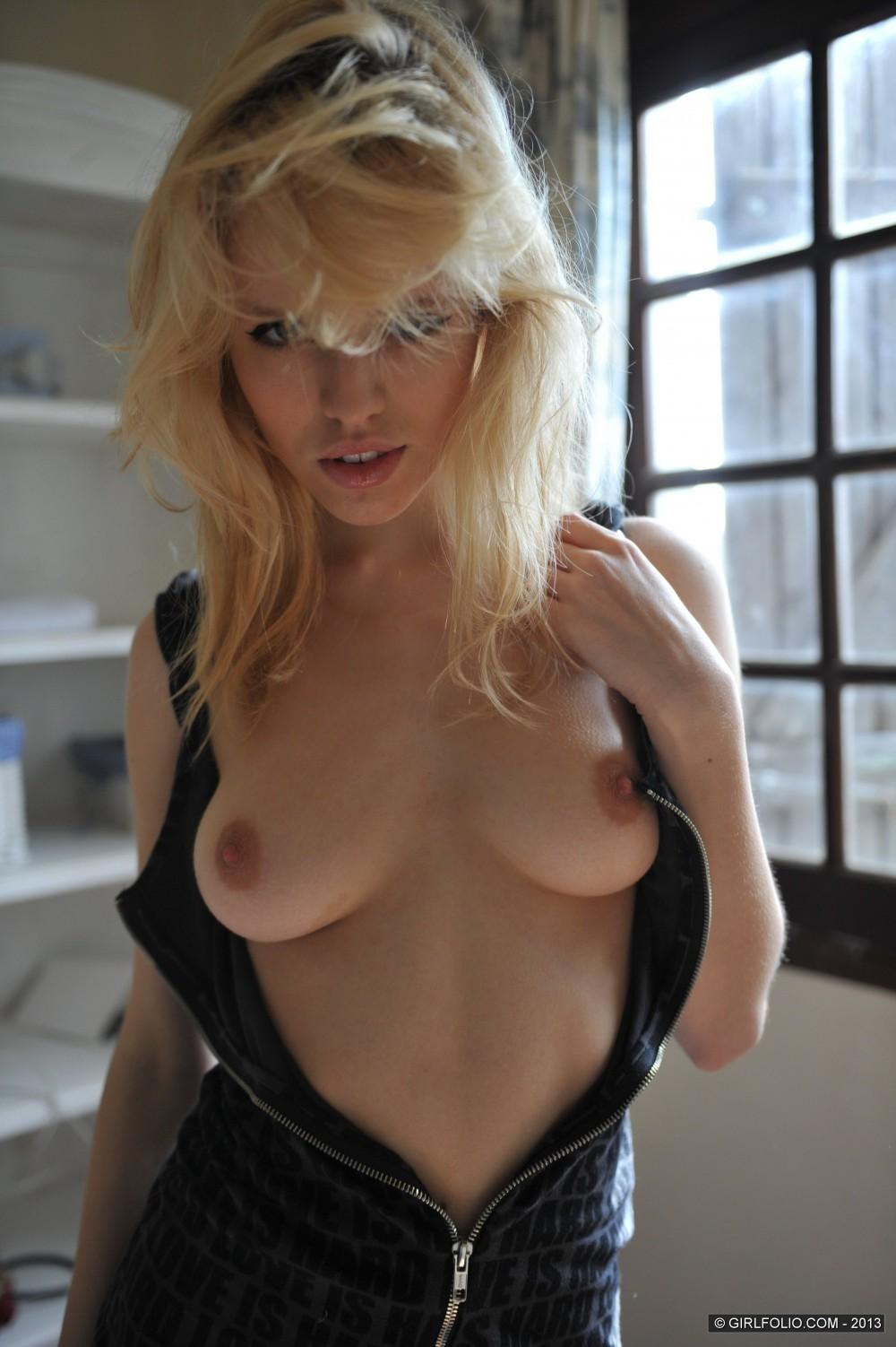 blonde-lorna-nude-worldsex-foto-galerisi